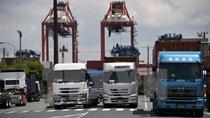 Nhật Bản bất ngờ thâm hụt thương mại lần đầu tiên trong 4 tháng