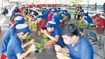"""Công đoàn """"vào cuộc"""" chăm lo bữa ăn cho người lao động"""
