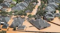 Mục tiêu tăng trưởng kinh tế Mỹ có nguy cơ 'tan tành' vì bão tố
