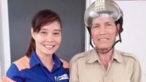 Chị P Thị Hằng trả lại tài sản của bác Vi Văn Sản đánh rơi tại CHXD 28 Huy Hạ