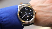 """Android wear dùng được với iPhone: """"Mồi lửa"""" cho smartwatch"""