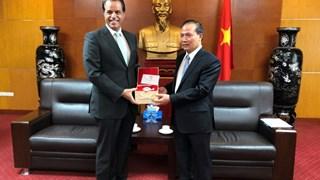 Thứ trưởng Cao Quốc Hưng tiếp Trợ lý Bộ trưởng Ngoại giao Cô-oét