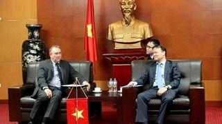 Thứ trưởng Đỗ Thắng Hải tiếp Đại sứ đặc mệnh toàn quyền nước Cộng hòa Peru