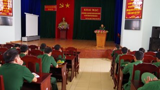 Học tập chính trị là quyền và nghĩa vụ của đảng viên