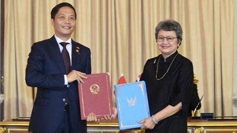 BT Trần Tuấn Anh tháp tùng TTCP Nguyễn Xuân Phúc thăm chính thức Vương quốc Thái Lan
