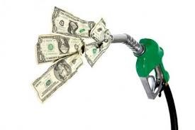 Tiêu thụ xăng của Mỹ chậm do giá tăng