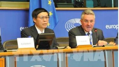 Thúc đẩy các bước tiến tới ký và phê chuẩn Hiệp định Thương mại tự do Việt Nam - EU