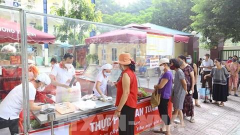 Người Hà Nội có thể mua hàng hóa thiết yếu qua 600 điểm bán hàng trực tuyến