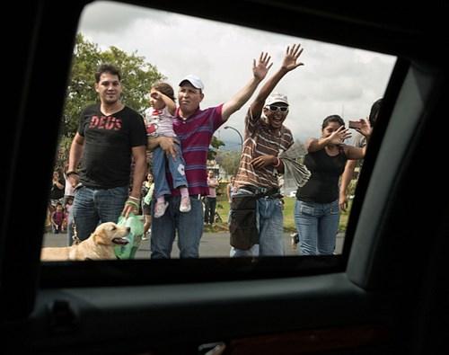 Cửa kính: Không có thông tin chính thức, nhưng cửa kính trên chiếc limo của Tổng thống Obama được cho là dày 12-16cm, có khả năng chống bom và đạn xuyên thép. So với các phiên bản limosine tổng thống trước đây, chiếc Cadillac One này có cửa kính lớn hơn, nên quan sát bên ngoài được nhiều hơn. Chỉ có cửa kính bên ghế lái mở được và chỉ dày 7cm, để tài xế có thể trao đổi với các mật vụ ở bên ngoài xe.