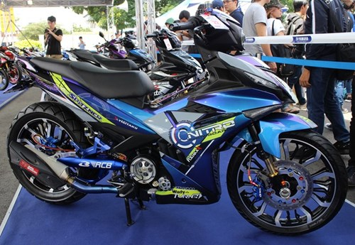 Exciter phong cach Valentino Rossi vo dich cuoc thi xe do hinh anh 11