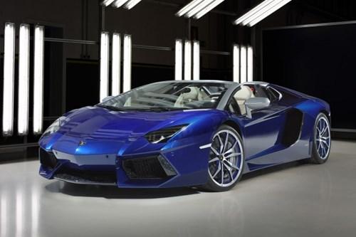 """Lamborghini lập kỷ lục bán siêu xe: Cứ 2 tiếng lại một chiếc """"xuất chuồng"""