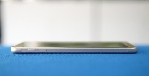 Galaxy A9 Pro 2016: Man hinh lon, pin 5.000 mAh sap ban o VN hinh anh 3