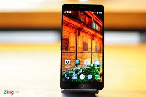 Smartphone RAM 4 GB, gia duoi 5 trieu ve Viet Nam hinh anh 2