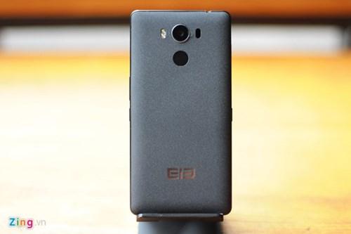 Smartphone RAM 4 GB, gia duoi 5 trieu ve Viet Nam hinh anh 3