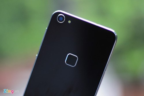Smartphone RAM 4 GB, gia duoi 5 trieu ve Viet Nam hinh anh 9