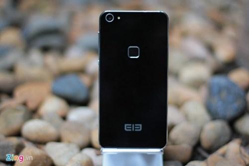 Smartphone RAM 4 GB, gia duoi 5 trieu ve Viet Nam hinh anh 8