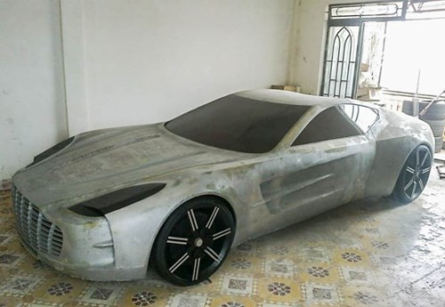 Chang trai Viet tu che mo hinh sieu xe Aston Martin One-77 hinh anh 1