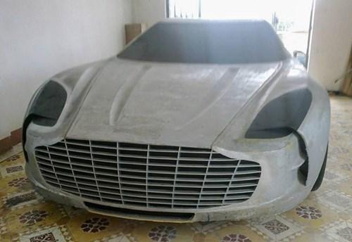 Chang trai Viet tu che mo hinh sieu xe Aston Martin One-77 hinh anh 2