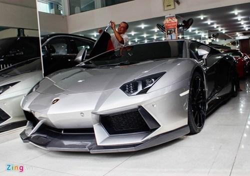 Lamborghini Aventador ban do dau tien ve Viet Nam hinh anh 2
