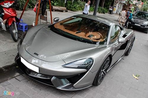 McLaren 570S cua Cuong Do La lan dau dao pho Sai Gon hinh anh 2