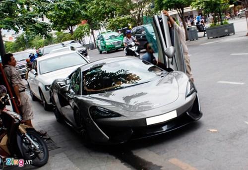 McLaren 570S cua Cuong Do La lan dau dao pho Sai Gon hinh anh 14