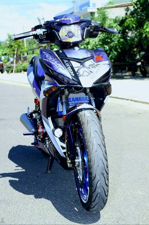 Exciter 150 son chuyen mau va len do choi cua biker Phu Yen hinh anh 2