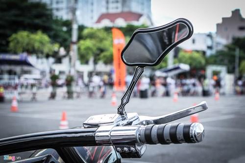 Xe Harley-Davidson Street Glide do banh lon cua Duc Tao Pho hinh anh 7