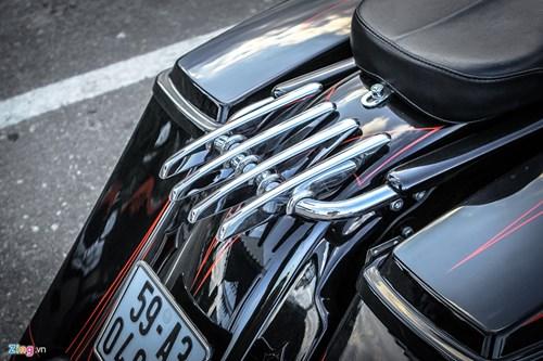 Xe Harley-Davidson Street Glide do banh lon cua Duc Tao Pho hinh anh 11
