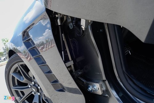 Ford Mustang do kieu Lamborghini het 250 trieu dong hinh anh 4