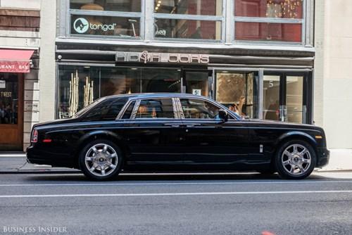 Rolls-Royce Phantom - tuong dai cua the gioi xe sieu sang hinh anh 3