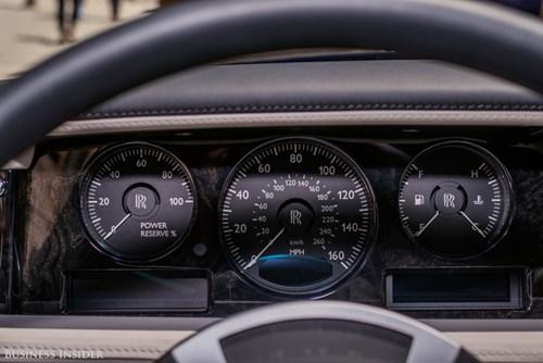Rolls-Royce Phantom - tuong dai cua the gioi xe sieu sang hinh anh 11