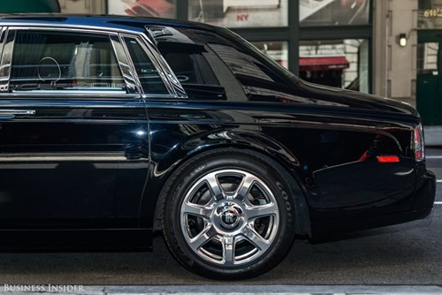 Rolls-Royce Phantom - tuong dai cua the gioi xe sieu sang hinh anh 7