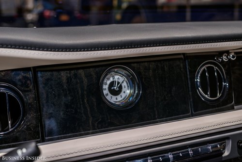 Rolls-Royce Phantom - tuong dai cua the gioi xe sieu sang hinh anh 15