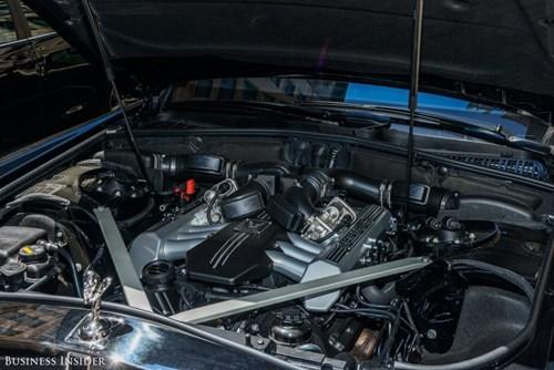 Rolls-Royce Phantom - tuong dai cua the gioi xe sieu sang hinh anh 24