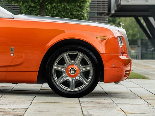 Rolls-Royce lot xac voi phong cach tre trung hinh anh 3