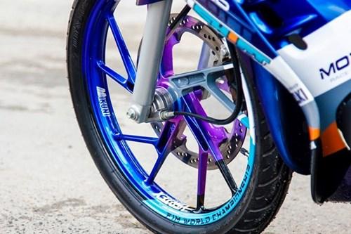Xe 2 thi Suzuki Satria mau doc cua biker Lam Dong hinh anh 3