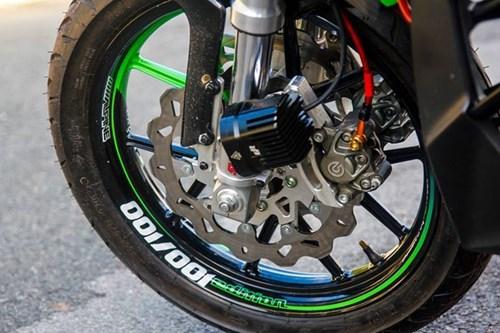Yamaha FZ150i do phong cach moto phan khoi lon o Sai Gon hinh anh 4