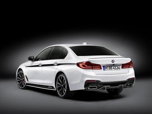 BMW ra goi do chinh hang cho Series 5 doi 2017 hinh anh 3