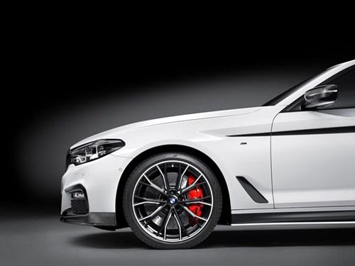 BMW ra goi do chinh hang cho Series 5 doi 2017 hinh anh 4