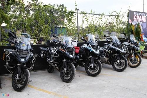 Hang chuc moto va sieu xe tap trung o Sai Gon hinh anh 13