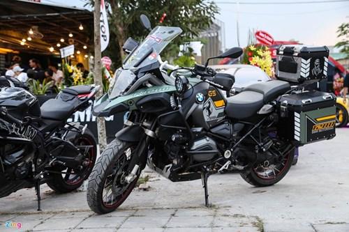 Hang chuc moto va sieu xe tap trung o Sai Gon hinh anh 14