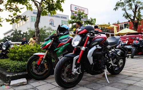 Hang chuc moto va sieu xe tap trung o Sai Gon hinh anh 3