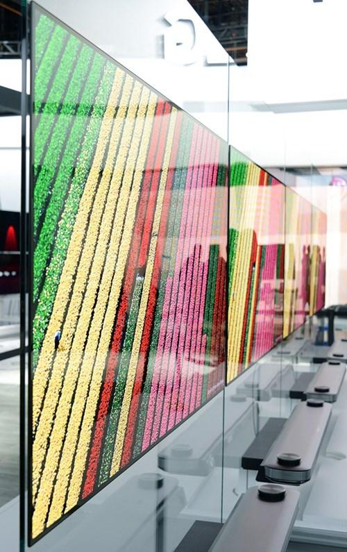 LG tung dong Signature OLED TV tai CES 2017 hinh anh 3