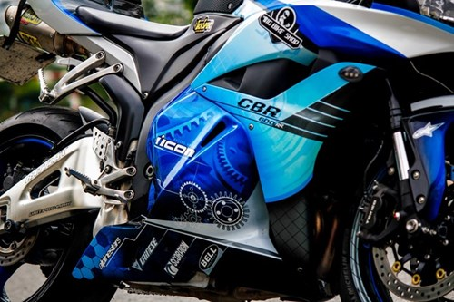 Honda CBR600RR son dan vo bat mat cua biker Sai Gon hinh anh 3