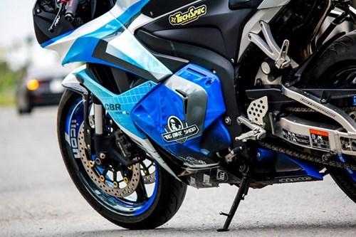 Honda CBR600RR son dan vo bat mat cua biker Sai Gon hinh anh 4