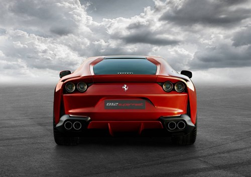 Lamborghini Aventador S gọi, Ferrari 812 Superfast trả lời - Ảnh 3.