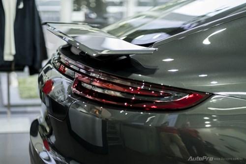 Porsche Panamera 2017 giá hơn 12 tỷ Đồng đầu tiên xuất hiện tại Việt Nam - Ảnh 3.