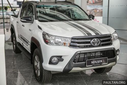 Cận cảnh Toyota Hilux bản đặc biệt mới tại Malaysia - Ảnh 1.