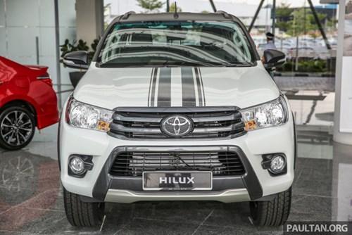 Cận cảnh Toyota Hilux bản đặc biệt mới tại Malaysia - Ảnh 4.