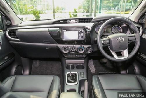 Cận cảnh Toyota Hilux bản đặc biệt mới tại Malaysia - Ảnh 11.